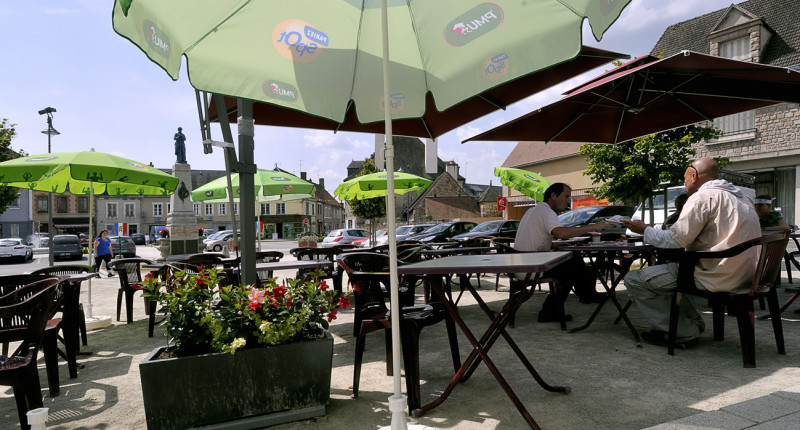Le Sully Gouzon terrasse
